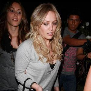 Hilary Duff Gets Baby Gift From Jessica Alba