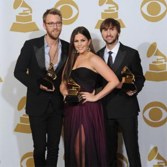Lady Antebellum's Hillary Scott gives birth
