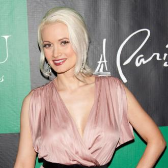 Holly Madison Gives In To Cravings
