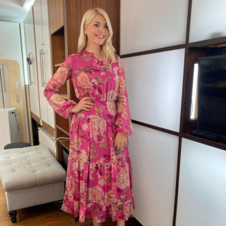 Holly Willoughby rents dress