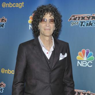 Howard Stern to re-marry wife after impromptu proposal