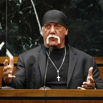 Hulk Hogan reaches $31m settlement with Gawker