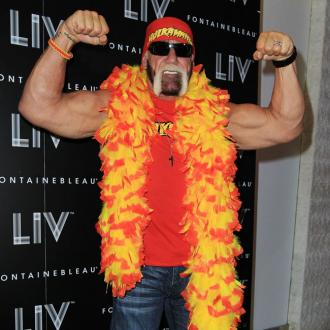 Hulk Hogan Badly Burns His Hand
