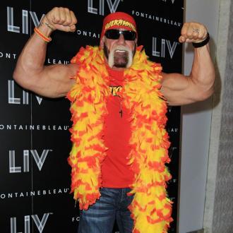 Hulk Hogan Badly Burns His Hand