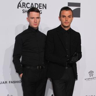 Hurts Enjoy Eightsome On Tour
