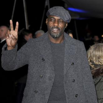 Idris Elba Skips To Peak Fitness