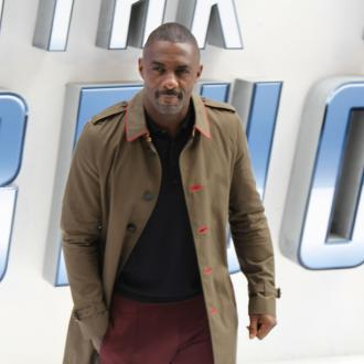 Idris Elba wins kickboxing fight