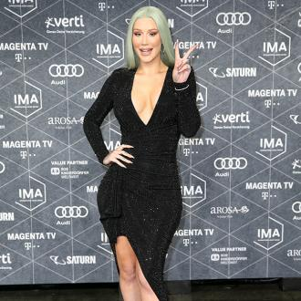 Iggy Azalea: Panic buying is 'stupid'