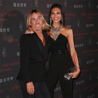 Iggy Pop twerks around house with wife