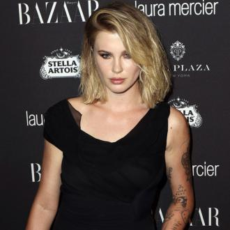 Ireland Baldwin makes a move