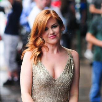 Isla Fisher Says Breastfeeding Is Nature's Diet
