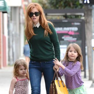 Isla Fisher Doesn't Weigh Herself