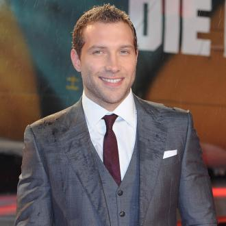 Jai Courtney Is Fascinated With Japan
