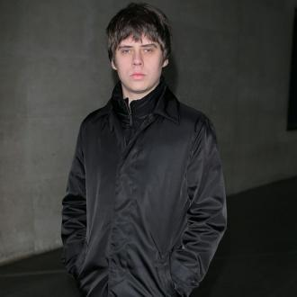 Jake Bugg shocked by 'supportive' electronic world