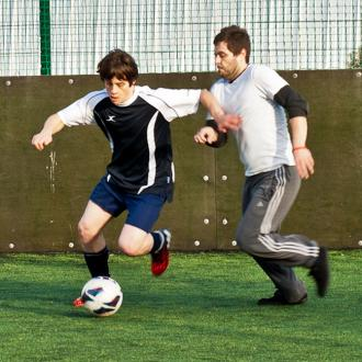 Jake Bugg Launches Football Rocks Trophy