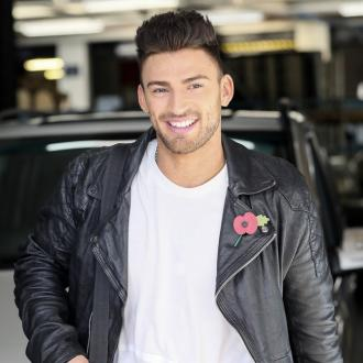 Jake Quickenden Returns With New Summer Single