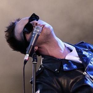 Glasvegas Encourage Fans To Lose Inhibitions