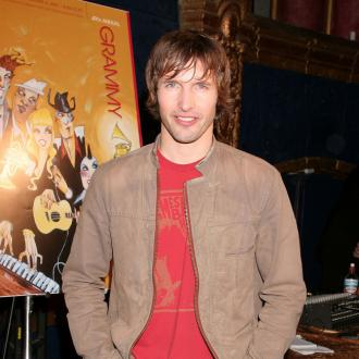 James Blunt Announces Moon Landing
