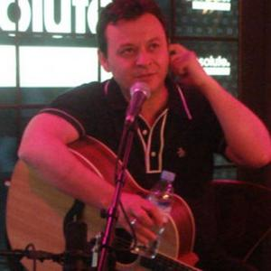 Manic Street Preachers Perform Intimate Gig