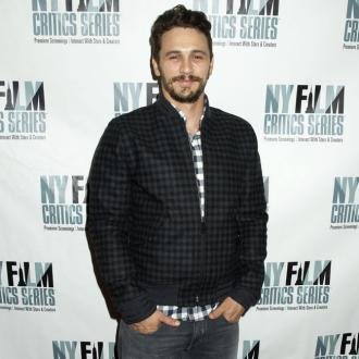 James Franco Pokes Fun At Dating Rumours