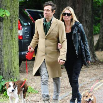 Kate Moss and Jamie Hince in dog fight