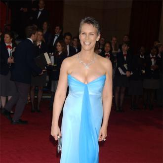 Jamie Lee Curtis: Angelina Jolie is a 'heroine'
