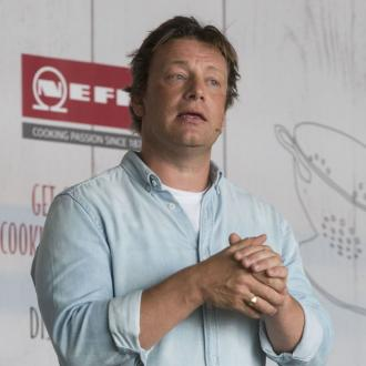 Jamie Oliver Uses An App To Track His Kids