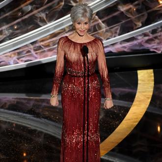 Jane Fonda recycles dress for Oscars