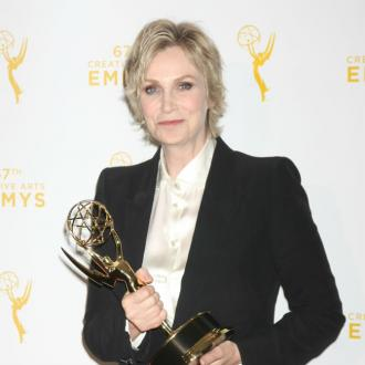 Game of Thrones, Jane Lynch win at Creative Arts Emmy Awards