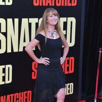 Jane Seymour Uses Neck Tape