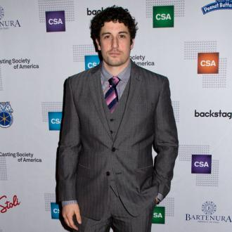 Jason Biggs celebrates one year of sobriety