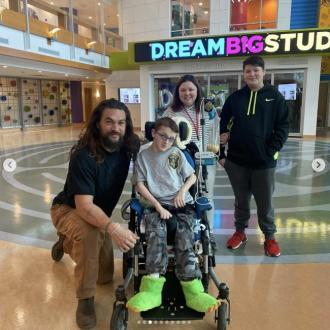 Jason Momoa meets 'brave babies' at a children's hospital
