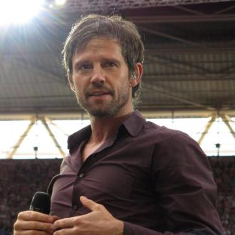 Jason Orange flirting with Les Dawson's daughter?