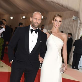 Jason Statham sets wedding date