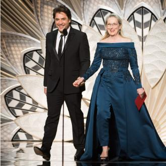 Meryl Streep adorns Elie Saab gown to Oscars after Karl Lagerfeld feud