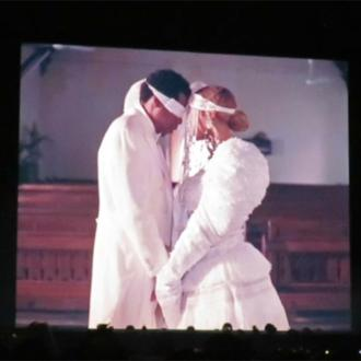 Beyonce and Jay-Z renew wedding vows