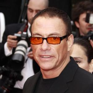 Jean-claude Van Damme Concentrating On Fighting