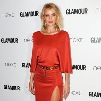 Rosie Huntington-whiteley's Hairstylist Jen Atkin Says Photos Are Key To A Great Cut