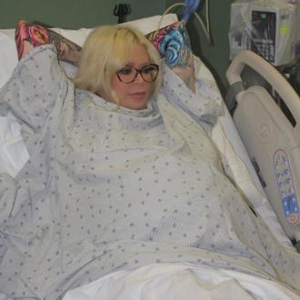 Jenna Jameson gives birth