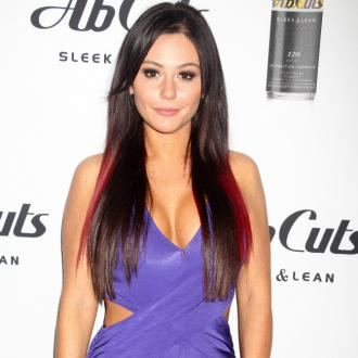Jwoww's Fiance 'Humbled' By Baby