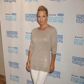 Jennie Garth Walks Down The Isle For Dave Abrams
