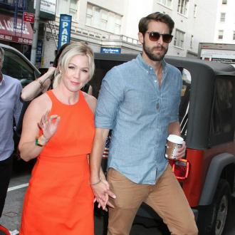 Jennie Garth taking a break from marriage
