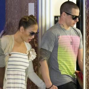Jennifer Lopez' Manager Spills On Love Life