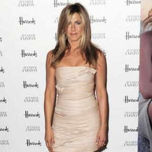 Jennifer Aniston Making Travel Plans