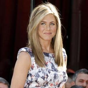 Jennifer Aniston To Become Face Of Aveeno?