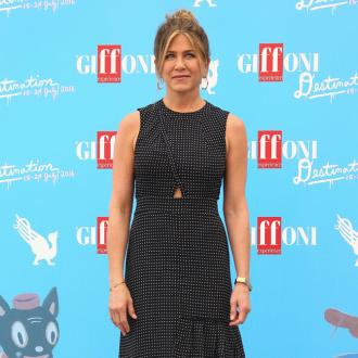 Jennifer Aniston enjoys night out with friends