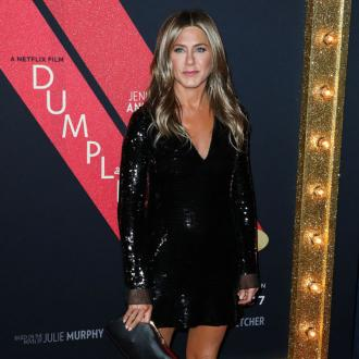 Jennifer Aniston 'having the best time'