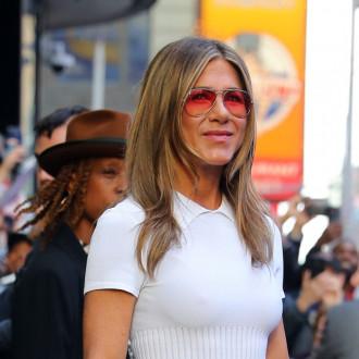 Jennifer Aniston launches LolaVie with detangler