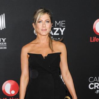 Jennifer Aniston 'Up For' Steamy Strip Scenes