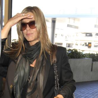 Jennifer Aniston: Courteney Cox should enjoy engagement